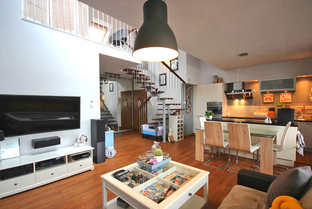 eleganckie wnętrze salonu w ekskluzywnym apartamencie do sprzedaży Szczecin (okolice)