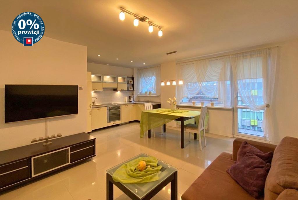 przestronne wnętrze salonu w ekskluzywnym apartamencie do sprzedaży Szczecin