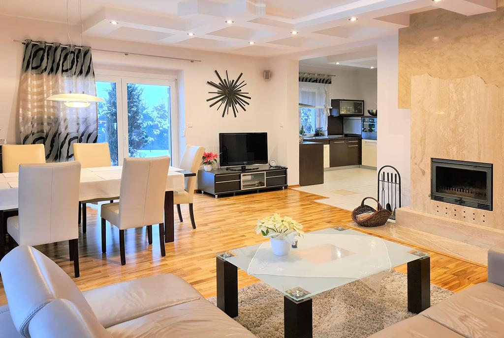 wytworny pokój dzienny w ekskluzywnej willi do sprzedaży Bielsko-Biała (okolice)