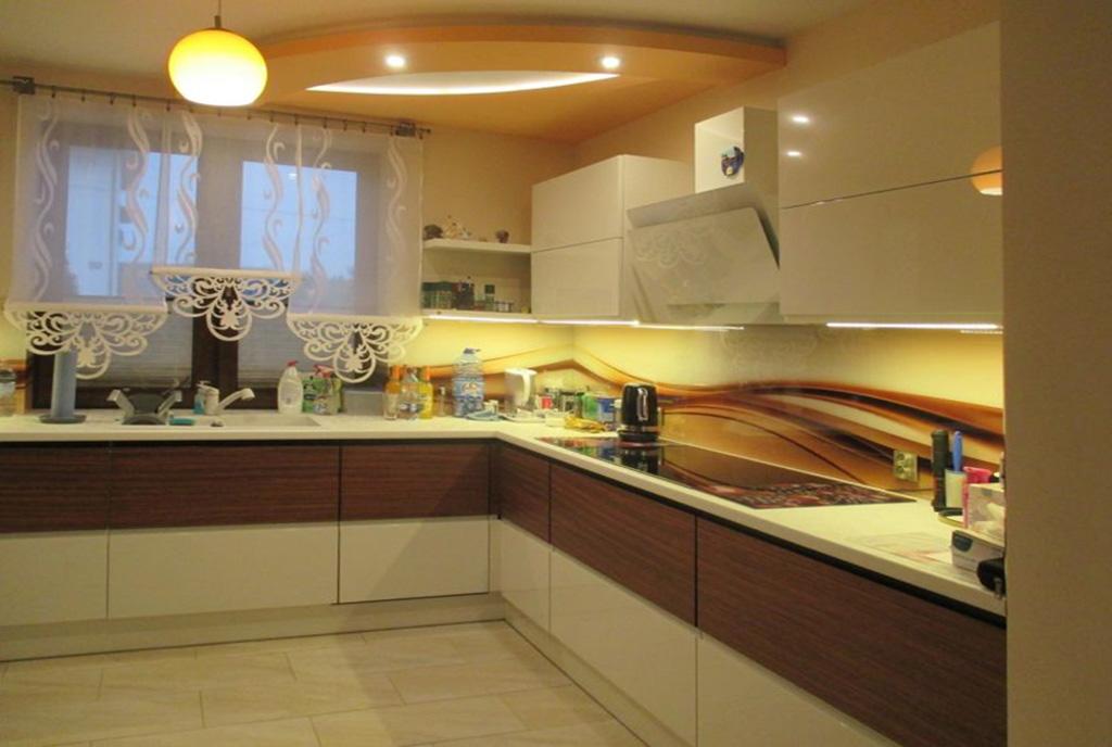 zabudowana kuchnia w ekskluzywnej willi do sprzedaży Częstochowa (okolice)
