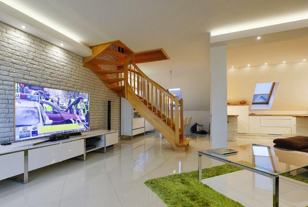 2-poziomowe wnętrze ekskluzywnego apartamentu do wynajęcia Szczecin (okolice)