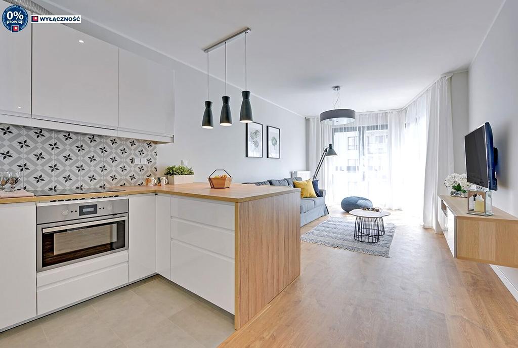 nowoczesne wnętrze wykończone w bieli w ekskluzywnym apartamencie do sprzedaży Legnica