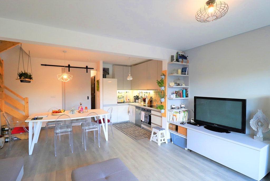 jasny i widny salon w ekskluzywnej willi na sprzedaż Bielsko-Biała (okolice)