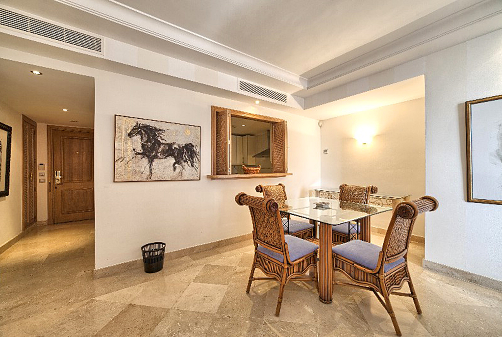 nobilitujące wnętrze luksusowego apartamentu do sprzedaży Hiszpania