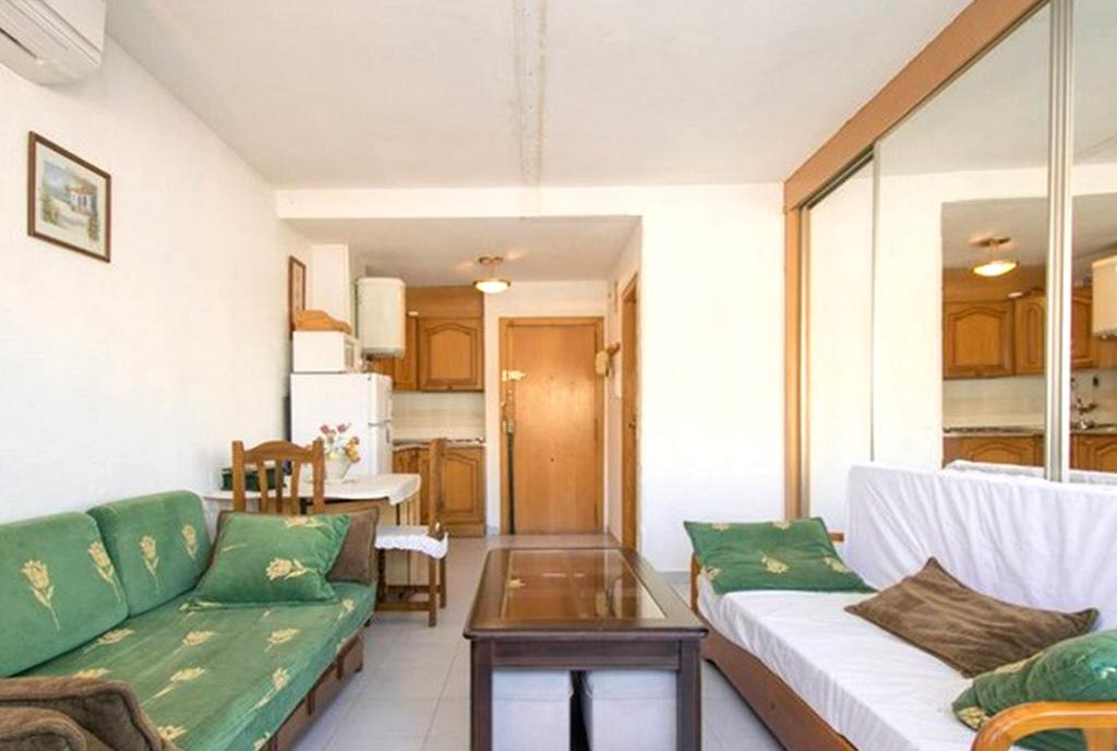 drugą stronę salonu w ekskluzywnym apartamencie do sprzedaży Hiszpania (La Mata)