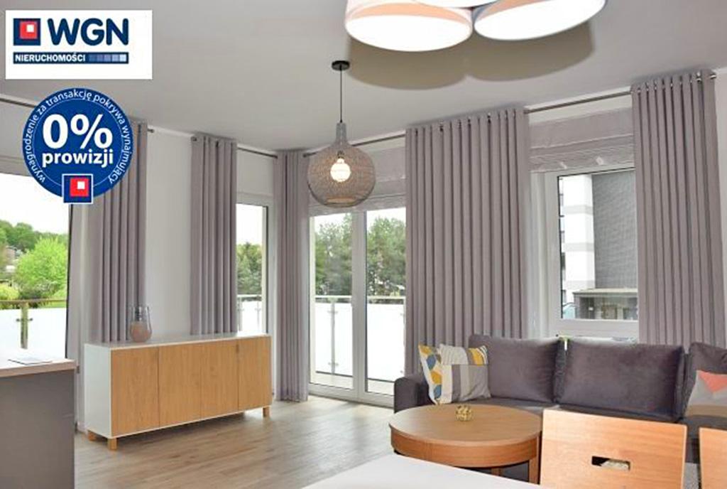 elitarny pokój dzienny w luksusowym apartamencie do wynajęcia Słupsk