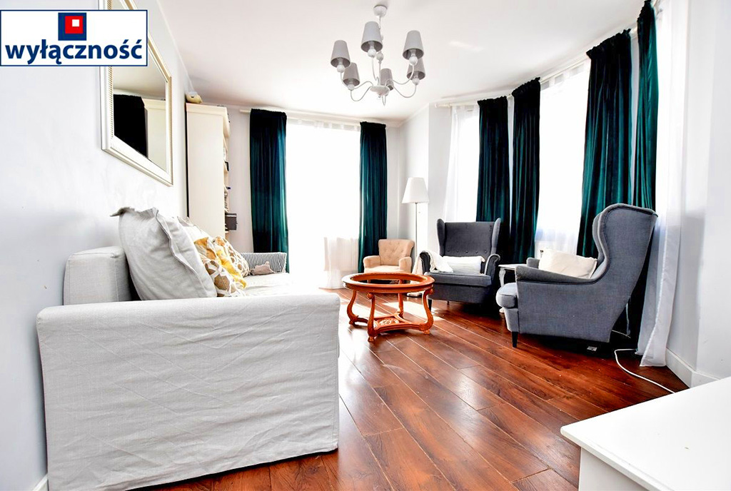 zapierające dech w piersiach rozmachem i bogactwem wnętrze ekskluzywnego apartamentu do sprzedaży Inowrocław