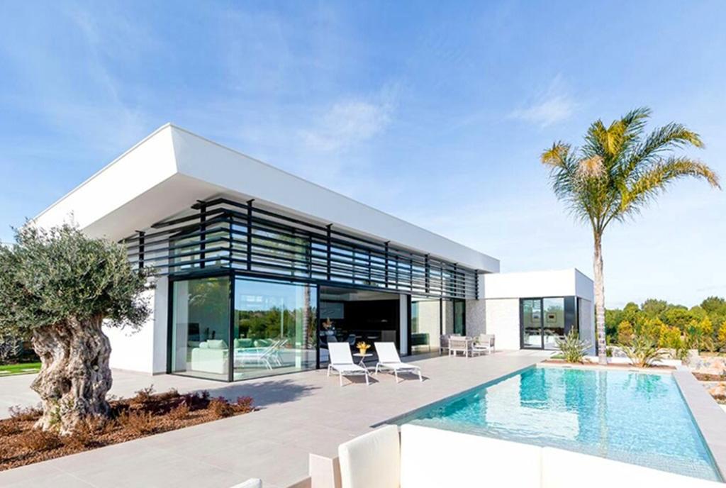 zapierający dech w piersiach taras przy luksusowym apartamencie na sprzedaż Hiszpania