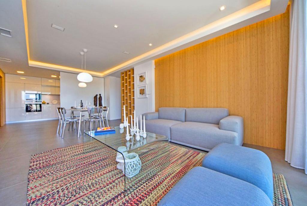 zapierające dech w piersiach wnętrze luksusowego apartamentu na sprzedaż Hiszpania (Costa Blanca Cumbre Del Sol)