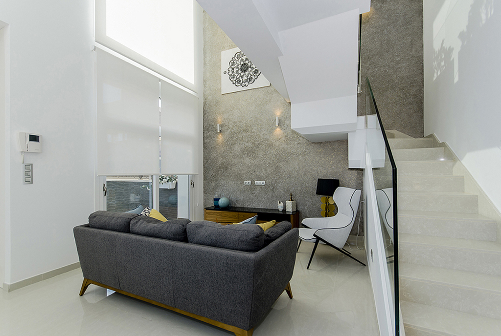 komfortowy salon w ekskluzywnej willi do sprzedaży Hiszpania (Quesada)