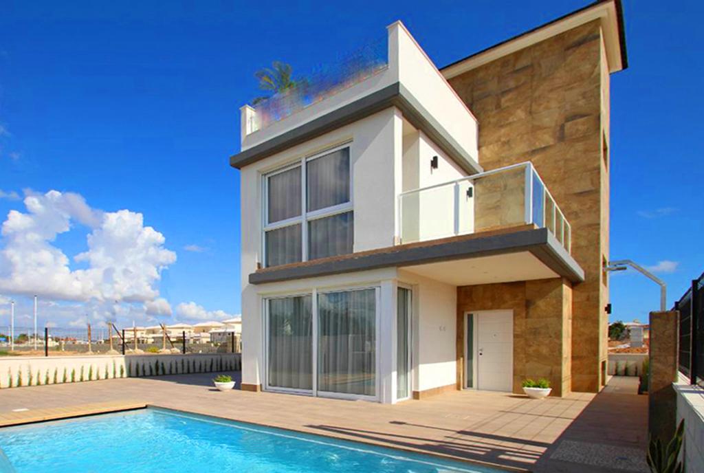 widok na basen przy luksusowej willi na sprzedaż Hiszpania (Castalla)