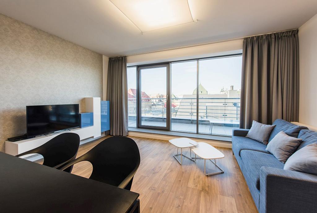 reprezentacyjny salon w ekskluzywnym apartamencie na wynajem Wrocław