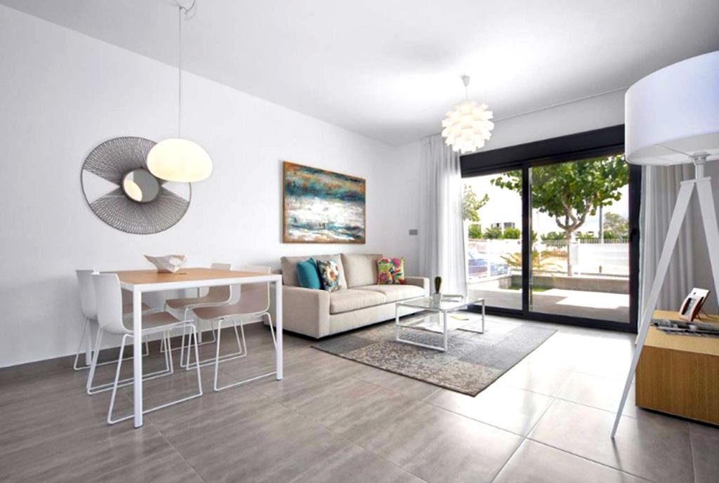 komfortowy pokój dzienny w luksusowej willi na sprzedaż Hiszpania (Costa Blanca, Pilar de la Horadada)